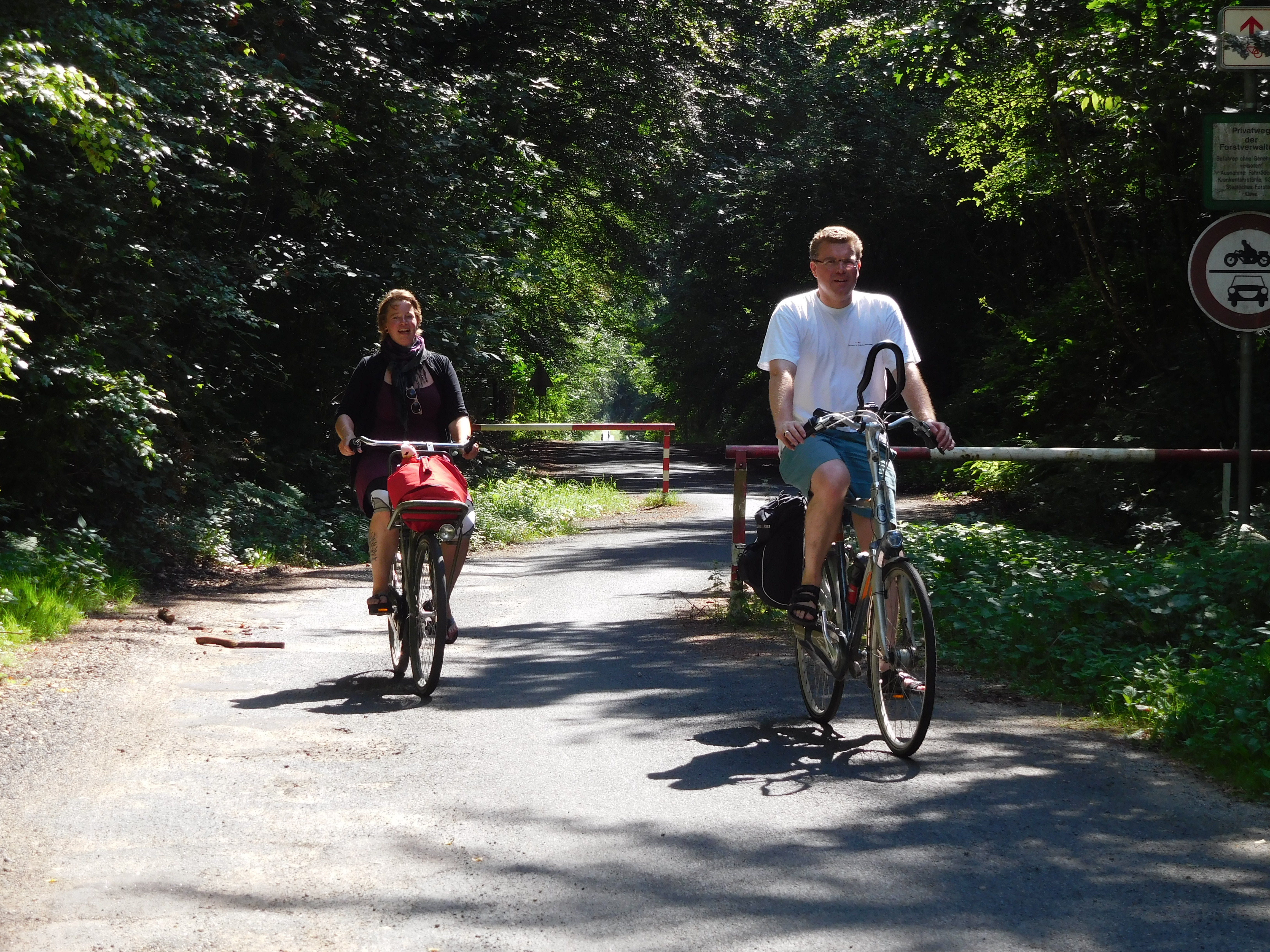 2 van de 9 jongeren die op de fiets naar Kevelaer gaan.