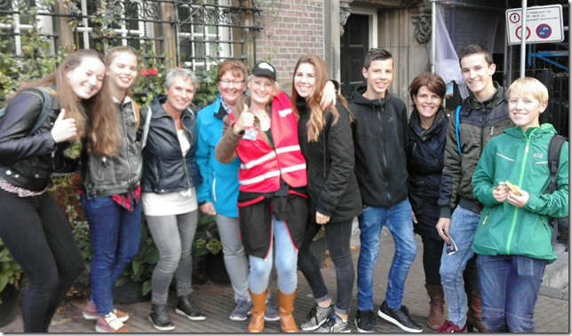 De jongeren van 2GetR 2013 bezoeken Amsterdam Underground