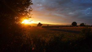 Net buiten Taizé heb je mooi zicht op de zonsondergang