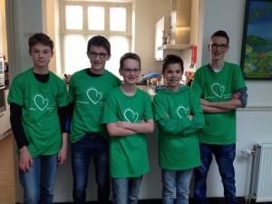 De tieners van 2GetRone zetten zich in voor kwetsbare mensen in onze eigen omgeving.