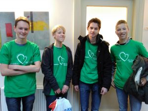 De jongeren van 2GetR 2013 verzamelden in Hoogland voordat ze naar de Nijenstede gingen voor DiaconAction 2016