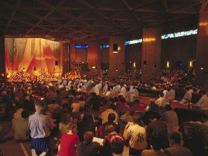 Het oecumenisch gebedsmoment in Taizé