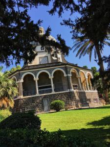 Op de berg van de Zaligsprekingen staat nu een kerk