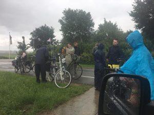 Door weer en wind fietste een groep jongeren naar Kevelaer voor de jaarlijkse bedevaart