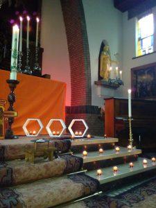 Elke 3de vrijdag van de maand is er een Taizé jongerenviering in de Oud Katholieke Kerk in Amersfoort